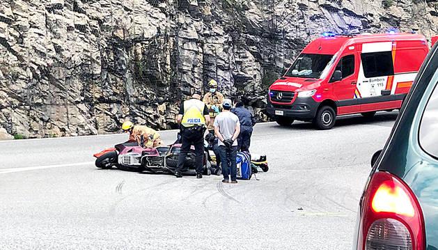 El motorista que va patir l'accident amb el turisme.