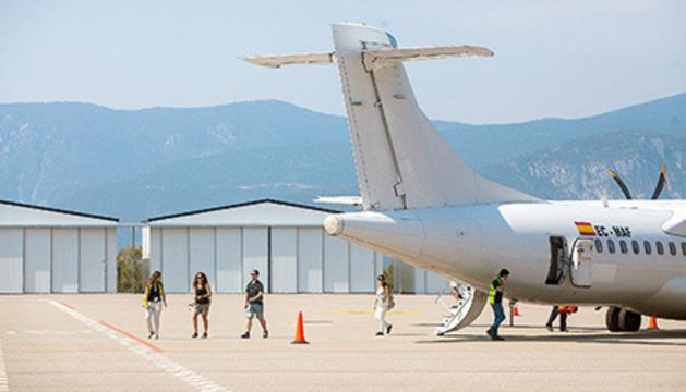 Un avió a l'aeroport d'Andorra-la Seu.