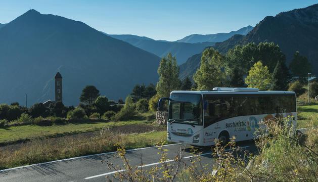 El bus turístic durant un dels recorreguts