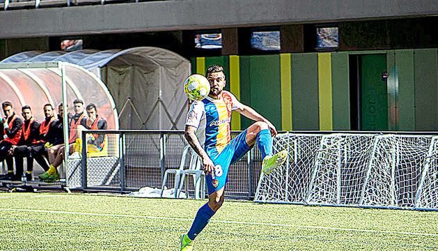 Jilmar, en un partit d'aquesta temporada a Prada de Moles.
