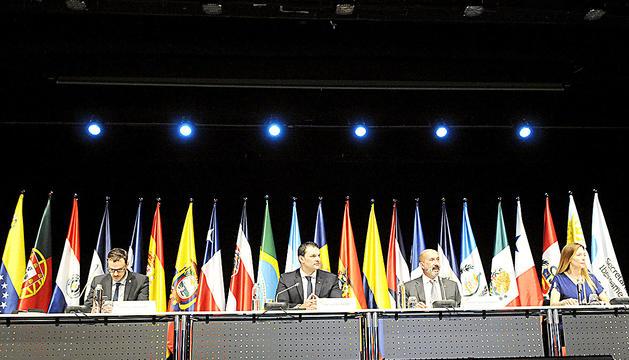 Els ministres Gallardo iBenazet amb els secretaris d'Estat Galabert i Mas.