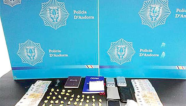 La droga decomissada per la policia.