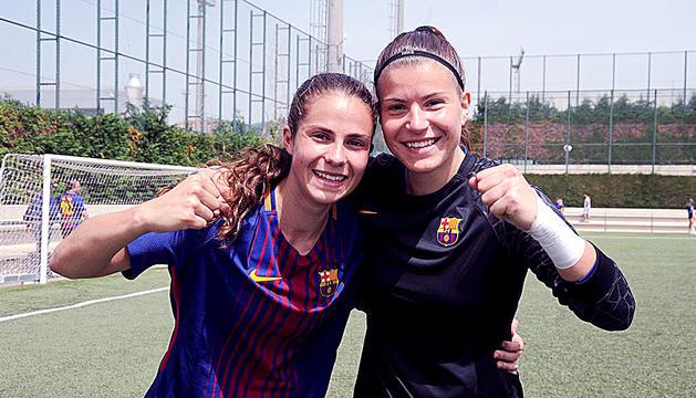 Tere Morató, a l'esquerra, celebrant un títol de lliga.