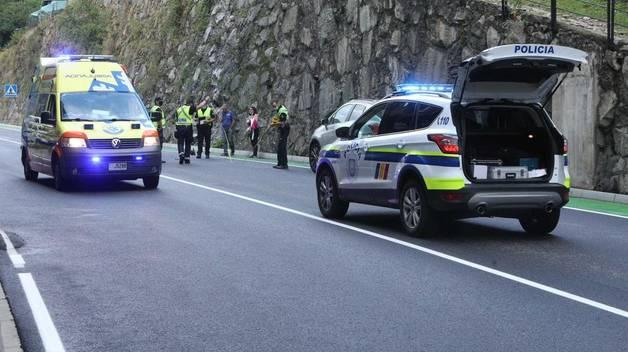 El vehicle que s'ha endut la dona ferida.