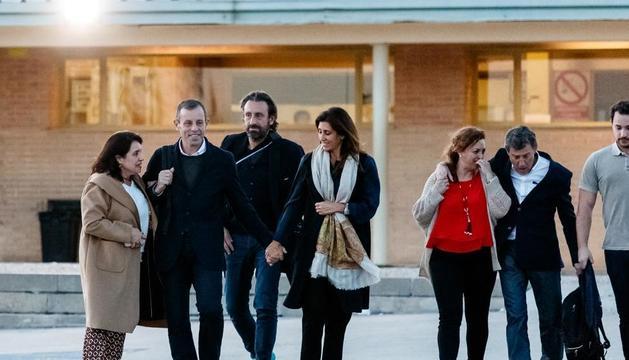 Sandro Rosell i Joan Besolí, a la sortida de la presó