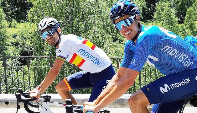 Alejandro Valverde i Enric Mas, al país.