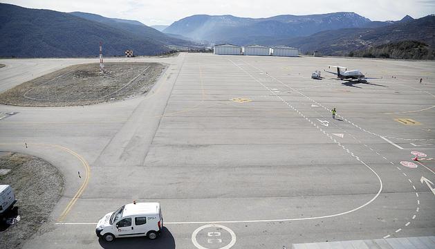 La pista de l'aeroport Andorra - Pirineus ubicada a la Seu d'Urgell.