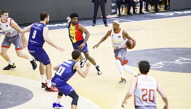 El Burgos és un dels equips ACB que vesteix Hummel.