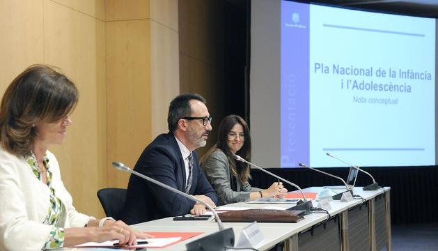 Víctor Filloy ha presentat el pla amb les ministres Ester Vilarrubla i Sílvia Riva