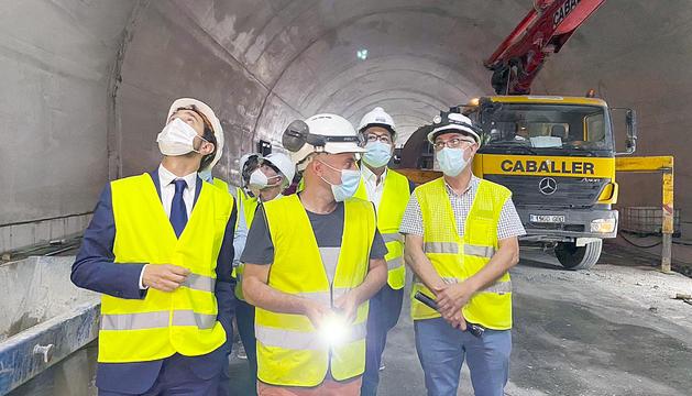 El conseller Calvet al túnel de Tresponts.