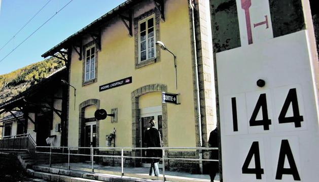 L'estació de tren de l'Hospitalet està sense servei fins al 30 d'agost.