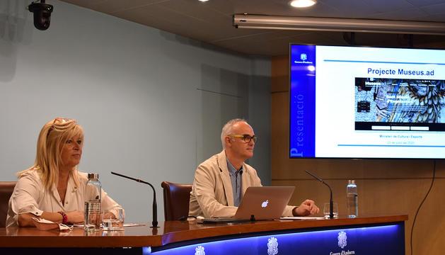 Montserrat Planellas i Àlex Net han presentat la nova web de Cultura
