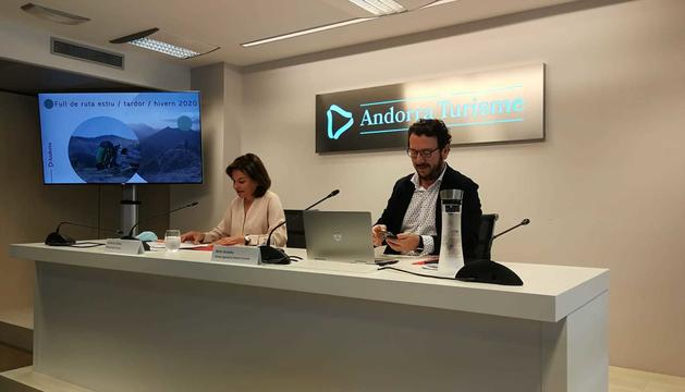La ministra de Turisme, Verònica Canals, i el director d'Andorra Turisme, Betim Budzaku.
