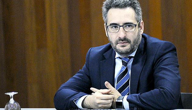 El ministre de Finances i Portaveu, Eric Jover, durant la seva compareixença ahir al matí.