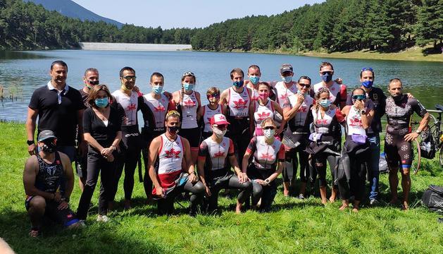 Els ministres Gallardo i Canals amb l'equip de The Ironman Group