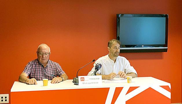 Els consellers a la minoria Enric Riba i David Rios,ahir.