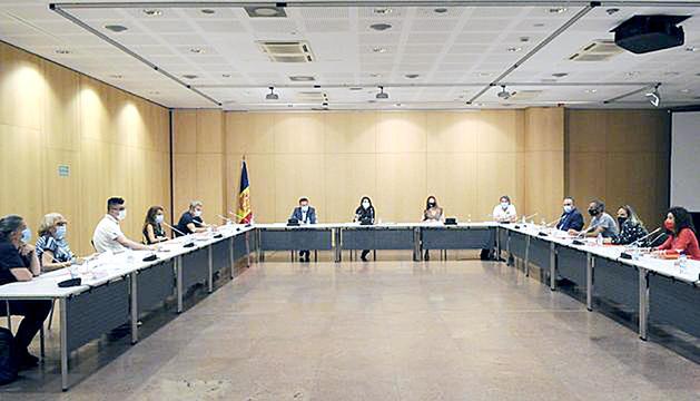 Reunió de la comissió de tractament de joves amb trastorns conductuals.