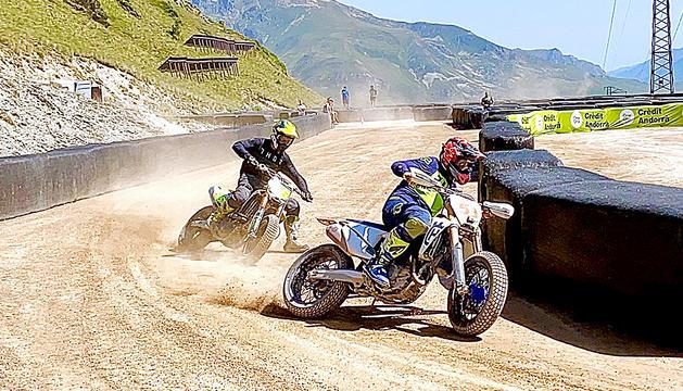 Joan Mir i Tito Rabat estrenen el circuit de 'FLAT TRACK'