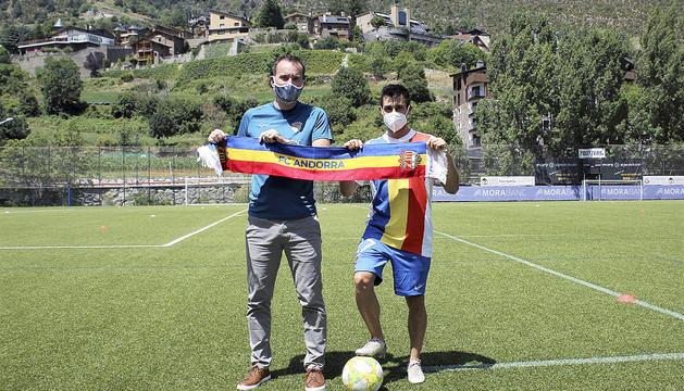 El president del club, Ferran Vilaseca, i el nou fitxatge, David Martín.