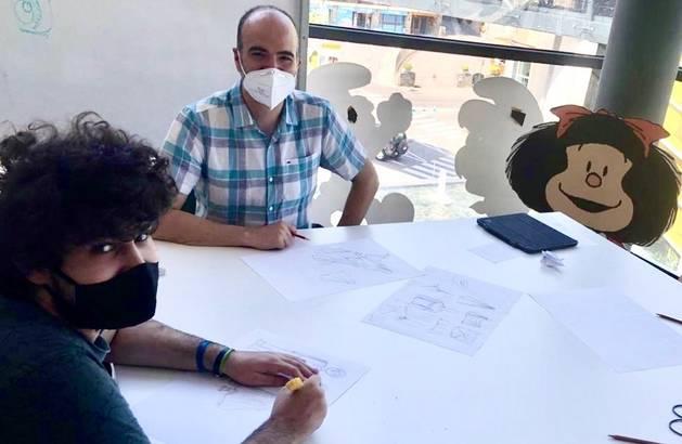 Jordi Planellas fa classes de dibuix a joves amb autisme