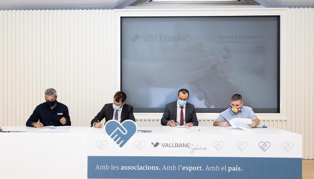 Els representants de les tres entitats han signat el conveni aquesta tarda