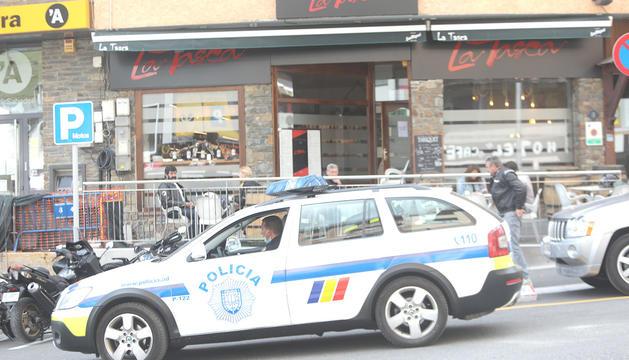 Un vehicle del cos de policia.