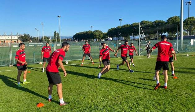 Els jugadors de l'Inter, entrenant a Nió.