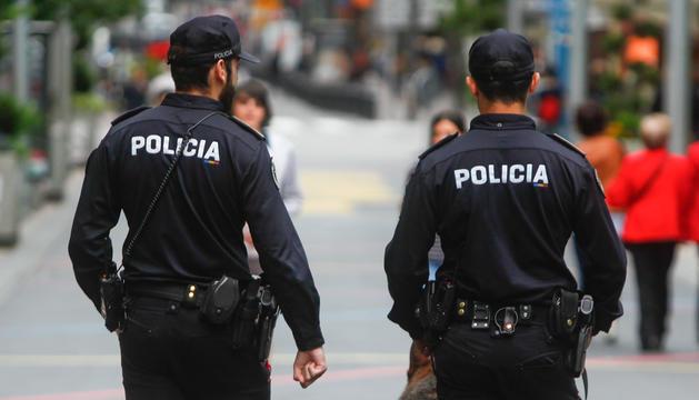 Una patrulla de policia per Carlemany