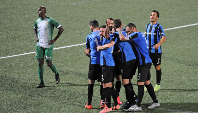 Duel de lliga entre Inter Escaldes i UE Sant Julià a l'Estadi Nacional.