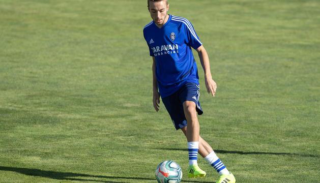 Marc Aguado, en un entrenament amb el Saragossa.