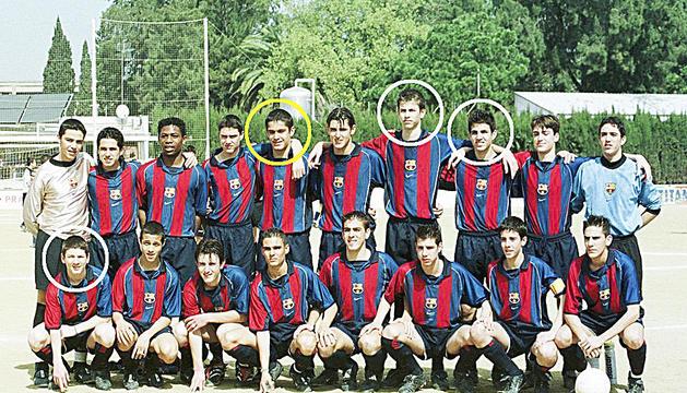 Equip de la base del Barça amb Pedraza, Piqué, Messi i Cesc.