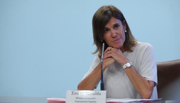 La ministra d'Educació, Ester Vilarrubla, va explicar ahir la tornada a l'escola