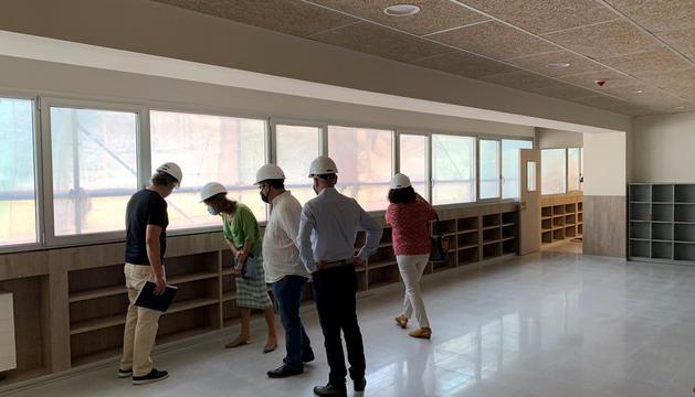 Torres visita les obres que es fan a l'escola andorrana