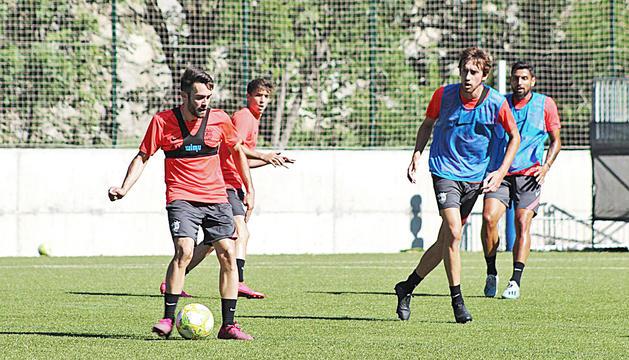 L'equip va fer ahir a Prada de Moles l'últim entrenament de la setmana.
