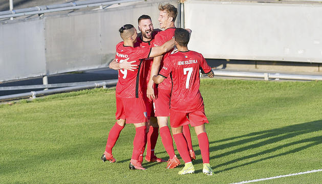 Els jugadors de l'Inter celebrant un gol al duel de Champions.