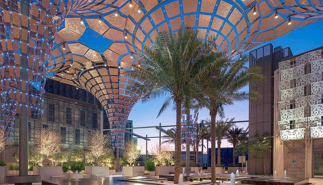 Vistes del recinte d'exposicions a Dubai.