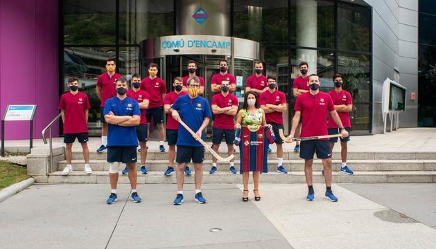 Laura Mas amb la plantilla d'hoquei de l'FC Barcelona