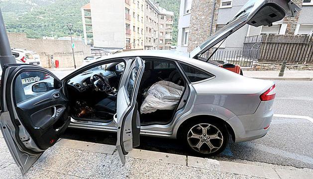 El cotxe on el Fabio va explicar que dormia.