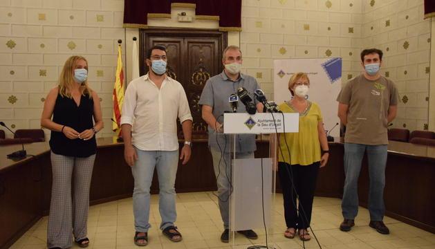 L'alcalde de la Seu, Jordi Fàbrega, durant la roda de premsa d'aquest matí