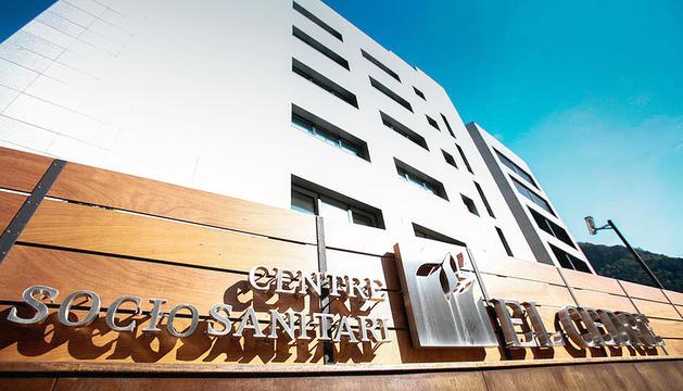 La façana del centre sociosanitari El Cedre.