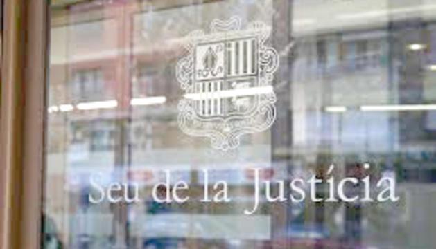 L'entrada a la seu de la Justícia.