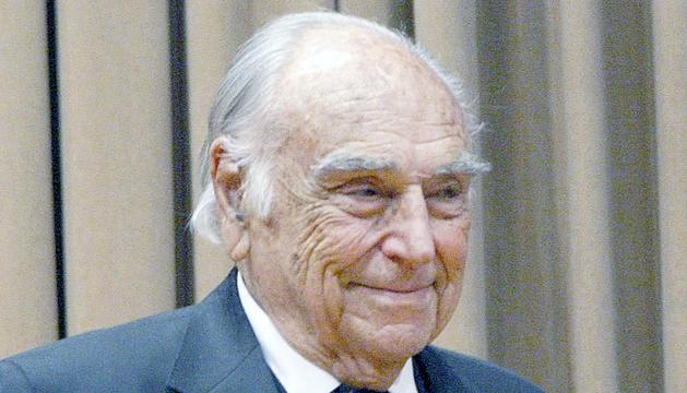 Josep Joan Pinto i Ruiz va néixer a Barcelona el 1923.