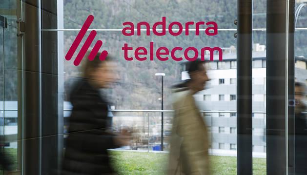 Exterior de l'oficina comercial d'Andorra Telecom.