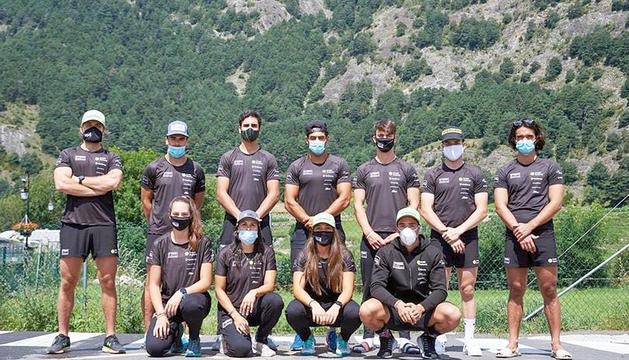 Els membres dels equips nacionals, a la presentació.
