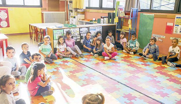 Alumnes de l'escola de Sant Julià es retroben l'any passat.
