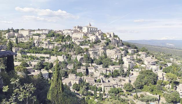 La joia penjada de la Provença