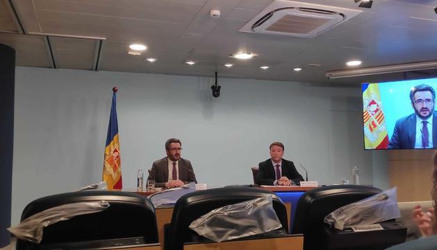 Albert Hinojosa i Eric Jover, en la presentació de la memòria de Tributs i Fronteres d'aquest matí.