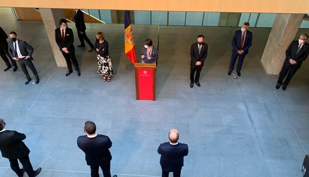La Síndica general, parlamentaris i memebres de Govern durant el discurs del dia de Meritxell al Consell General