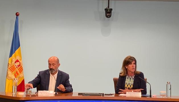 El ministre de Salut, Joan Martínez Benazet, i la d'Educació, Ester Vilarrubla.
