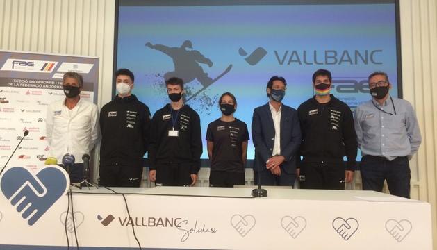 Un instant de la presentació de la temporada dels equips de 'boardercross' i estil lliure.